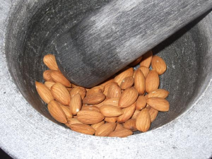 20 great benefits of almonds to skin and health